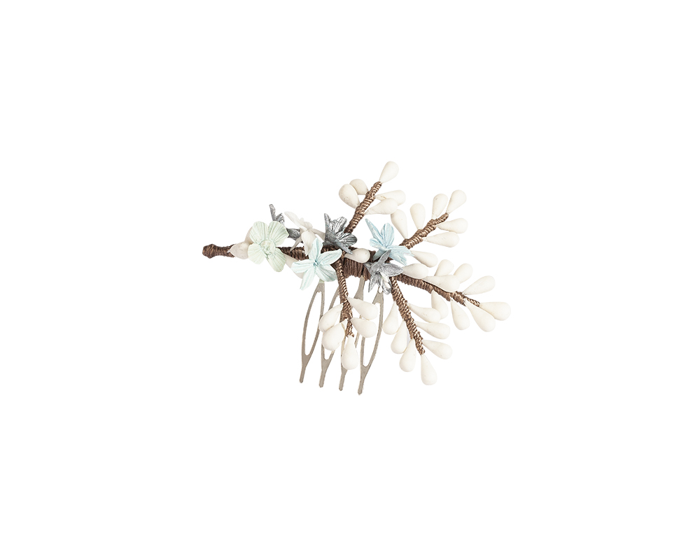 peina porcelana con flores celeste
