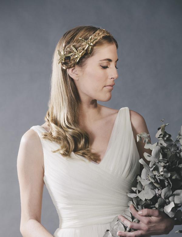 novia con libelulas doradas