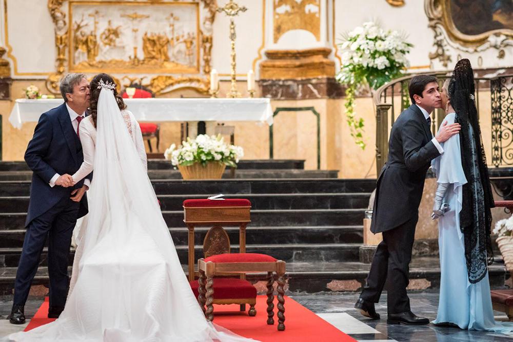 novios y padrinos boda tousette