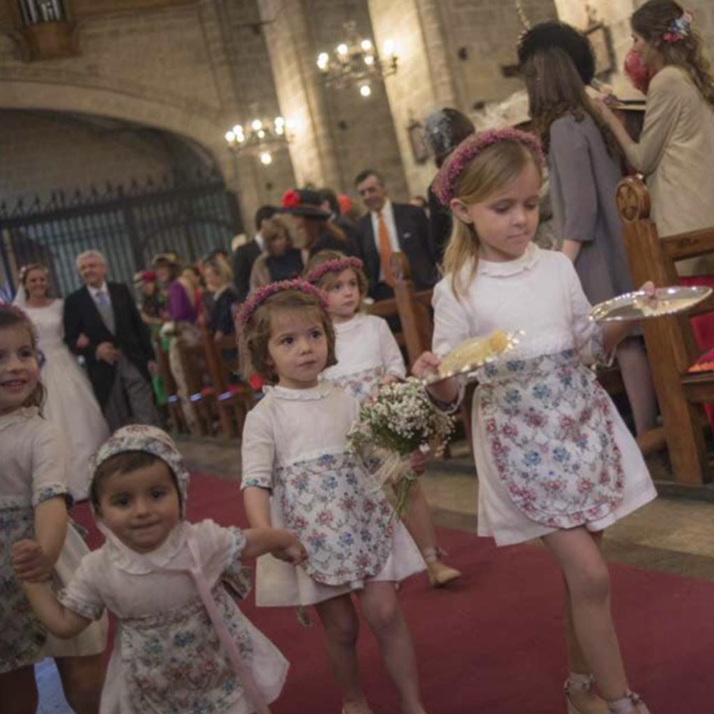 niños boda paniculata