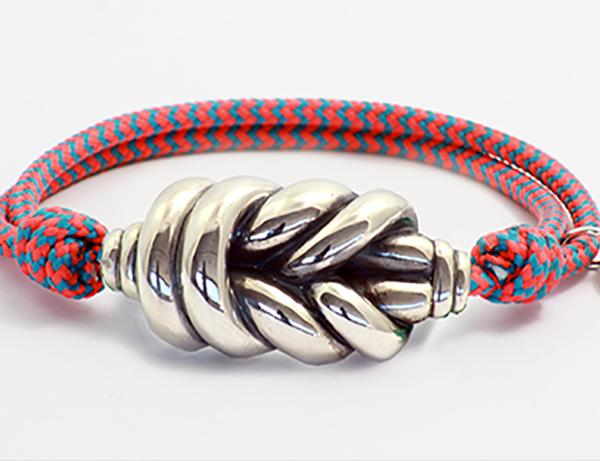 pulsera nudo con cuerda roja
